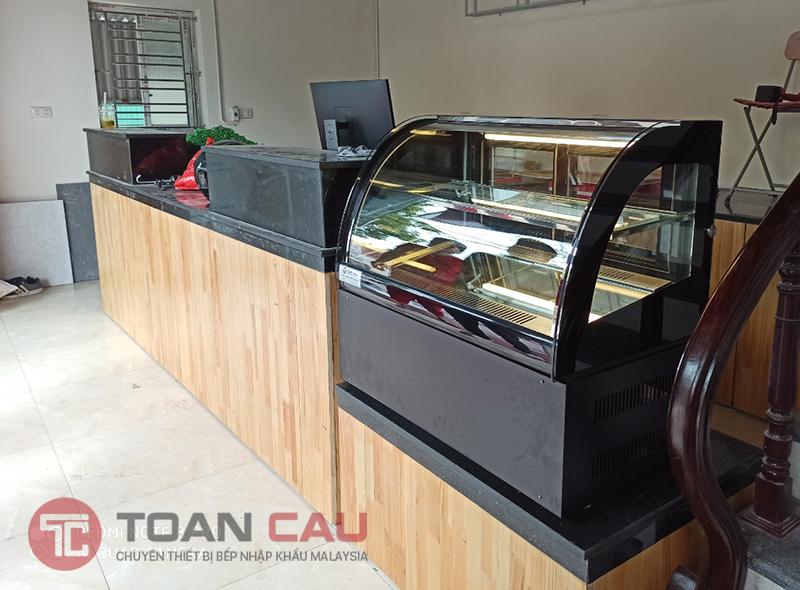 tu-banh-kem-mini-de-ban-kinh-cong-cho-quan-cafe