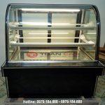 Tủ trưng bày bánh kem 3 tầng kính cong màu đen 1m5