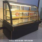 Tủ trưng bày bánh kem 3 tầng kính cong màu đen 1m8 đẹp