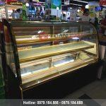 Tủ trưng bày bánh kem 3 tầng kính cong màu đen 1m8 giá rẻ