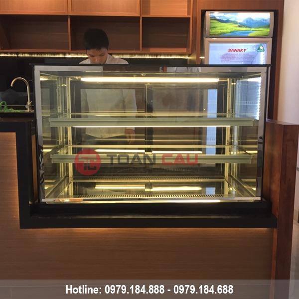 Tủ trưng bày bánh kem 3 tầng kính vuông màu đen 1m5 đẹp