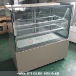 Tủ trưng bày bánh kem 3 tầng kính vuông màu trắng 1m2