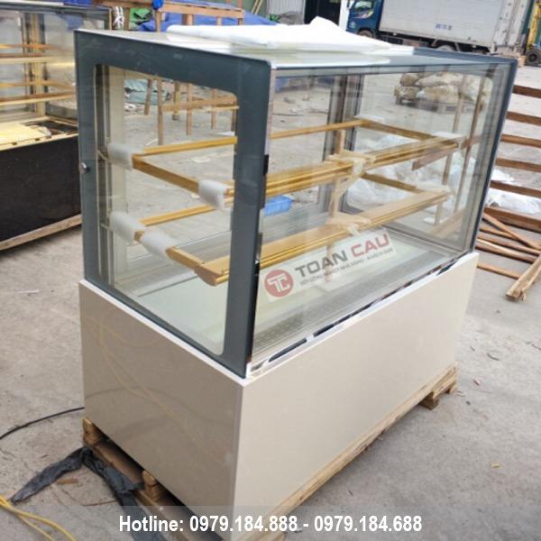 Tủ trưng bày bánh kem 3 tầng kính vuông màu trắng 1m2 đẹp