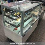 Tủ trưng bày bánh kem 3 tầng kính vuông màu trắng 1m5 đẹp
